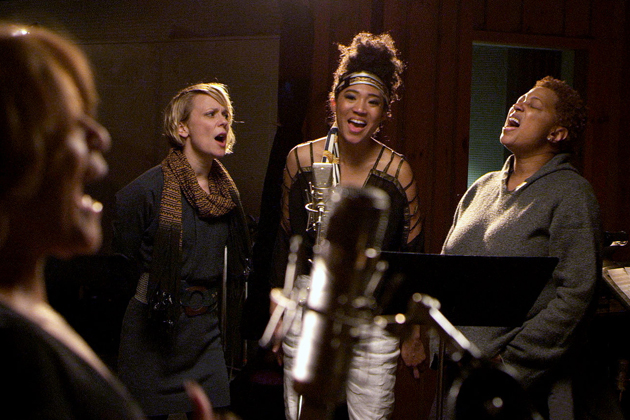 20-feet-from-stardom-review-photo